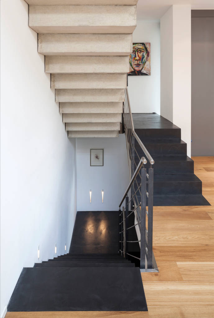 modern corridor hallway stairs photos by einwandfrei innovative malerarbeiten ohg i homify. Black Bedroom Furniture Sets. Home Design Ideas