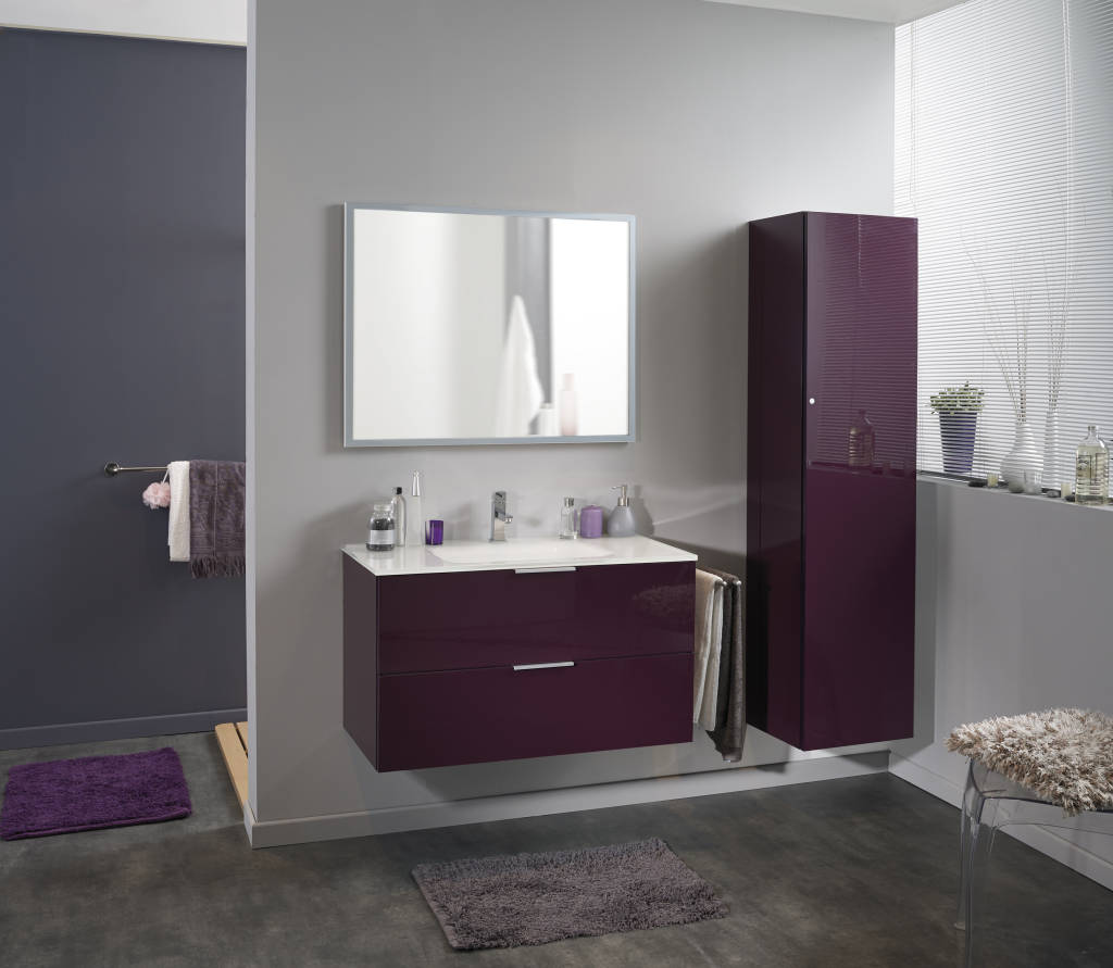 photos de salle de bain de style moderne salle de bains luxy aubergine sur homify. Black Bedroom Furniture Sets. Home Design Ideas