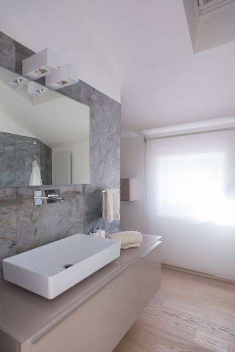 Foto di bagno in stile translation missing: it.style.bagno.moderno ...