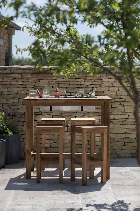 St Mawes Bar Table with Drinks Cooler: Modern Garden  by Garden Trading