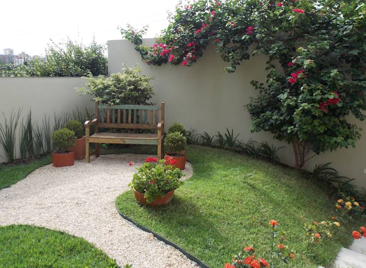 oasis mobiliario jardim:Relaxing Small Space Patio