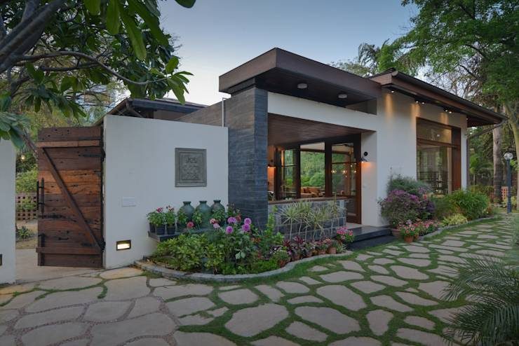 An Updated Indian Farmhouse