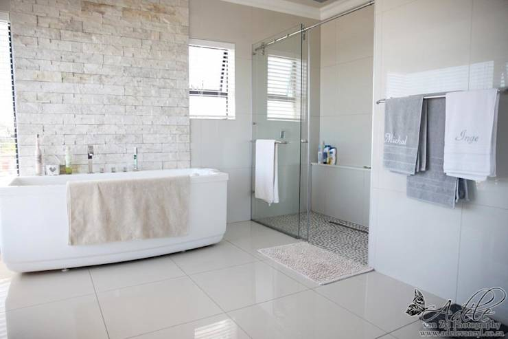 A modern home in mossel bay for Modern bathrooms south africa