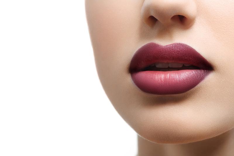 Prevent Lipstick Bleeding