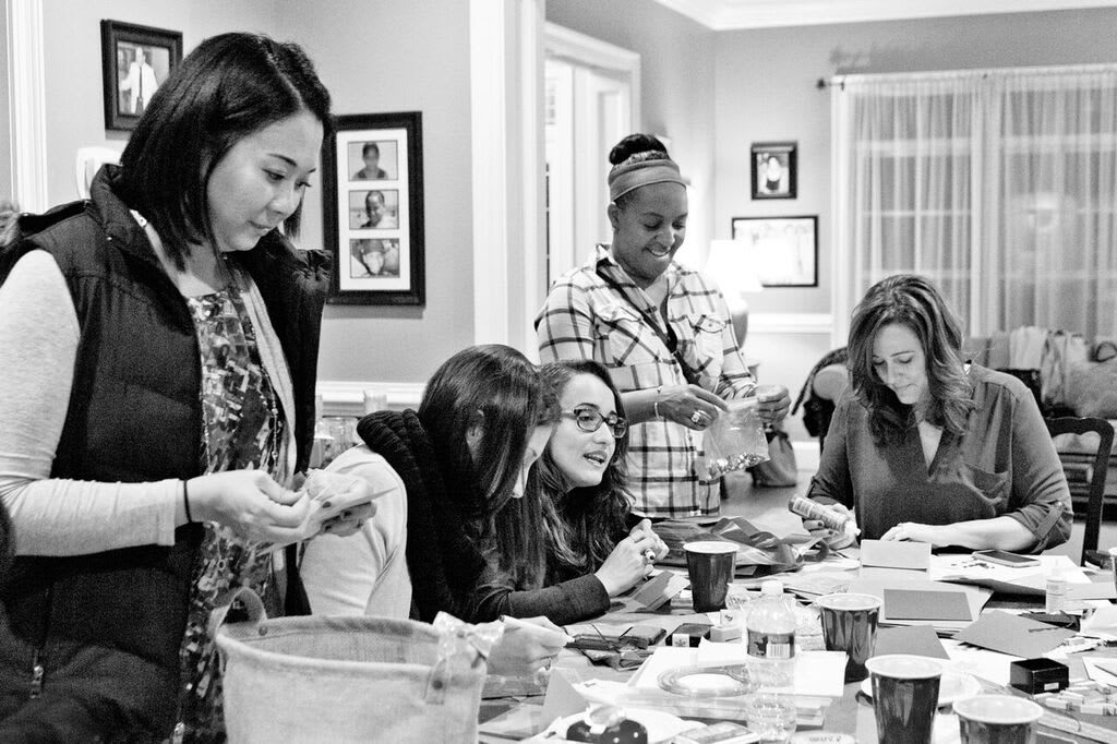 Bethesda, Maryland made holiday cards for the elderly. Photos by Dana Rose Lee Photography