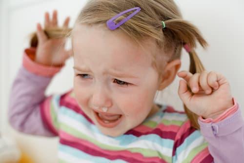 talking to toddlers little girl tantrum