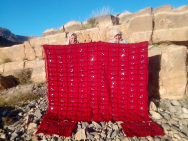 Red Wool  and Thread Handira