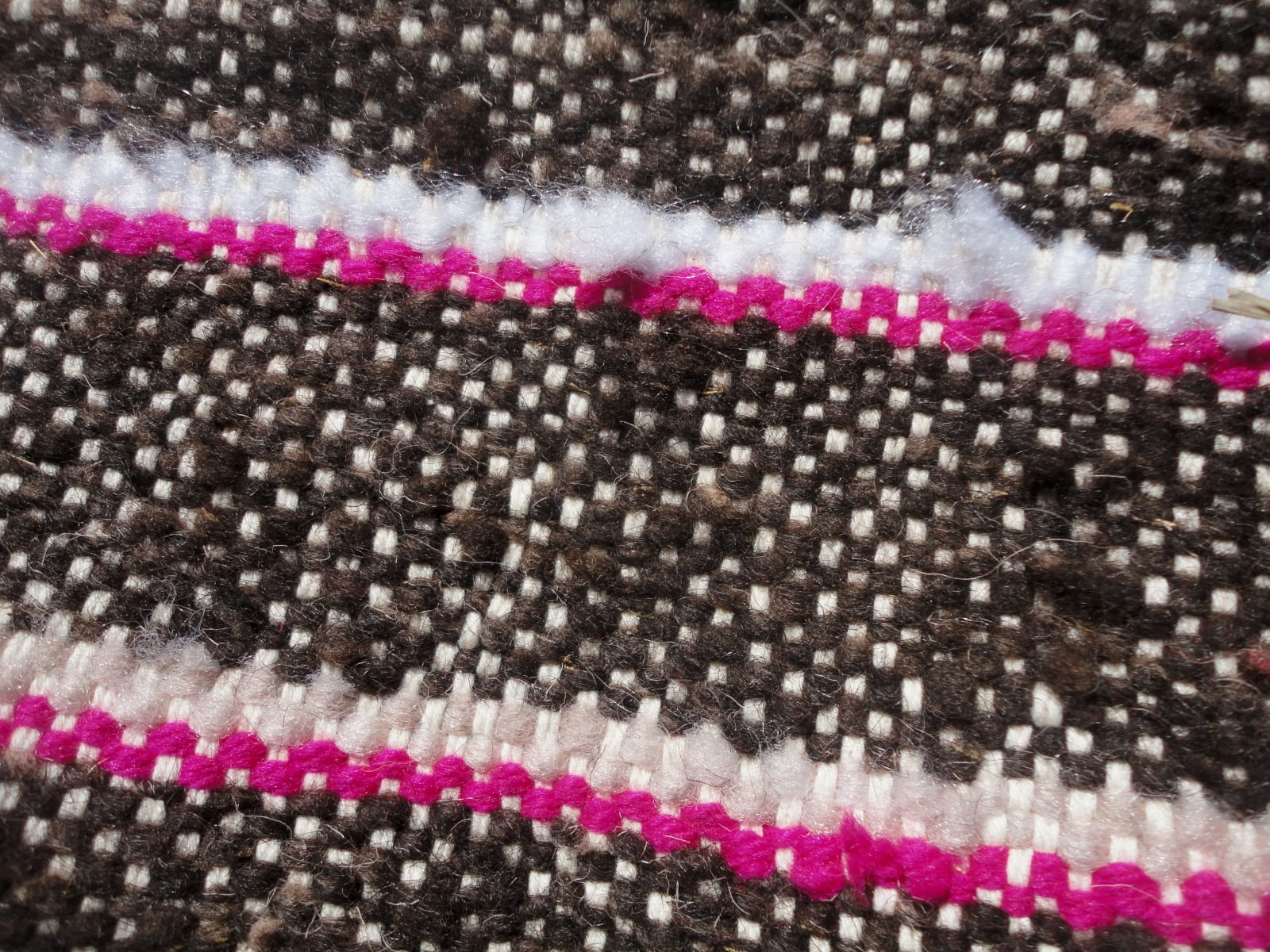 Hanbal Wool Threads and Wool Pink, Black Morocco