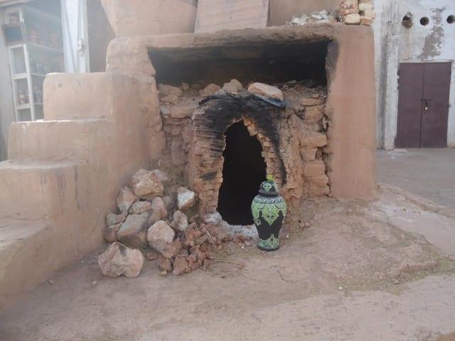 Vase Clay Green, Black Morocco
