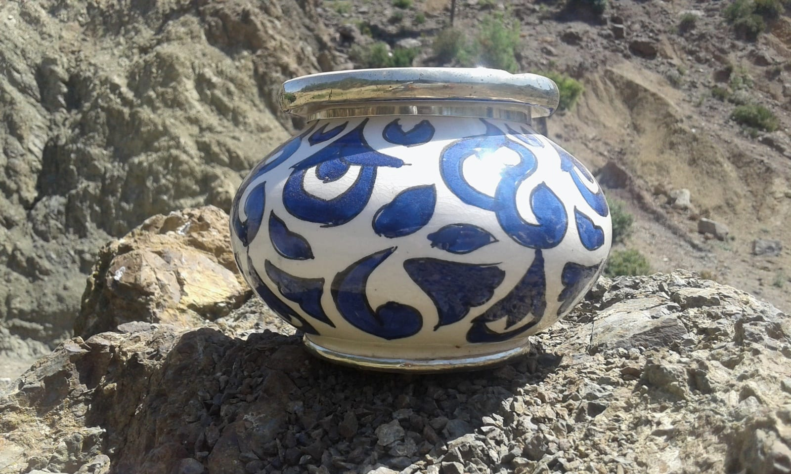 Ash Tray Mud Clay Light Blue, White Morocco