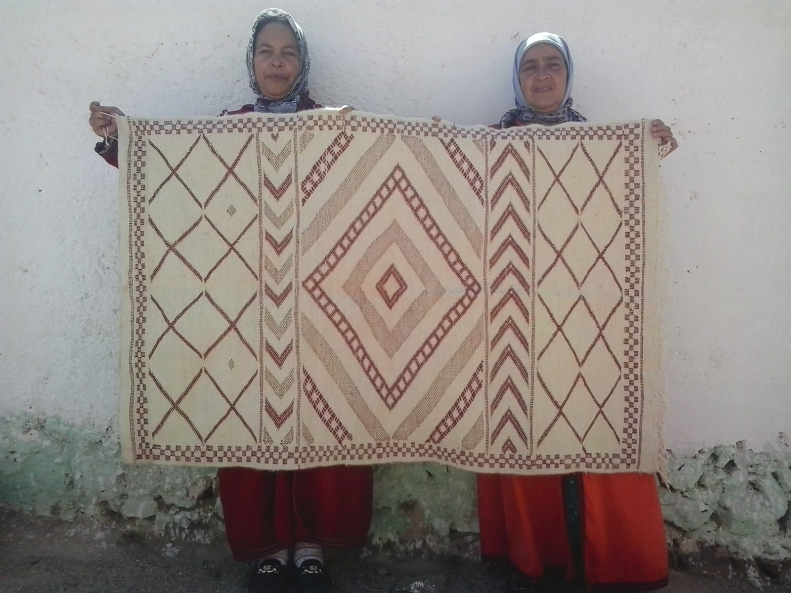 Hanbel Assouf Tadout and Sda Red, White Morocco