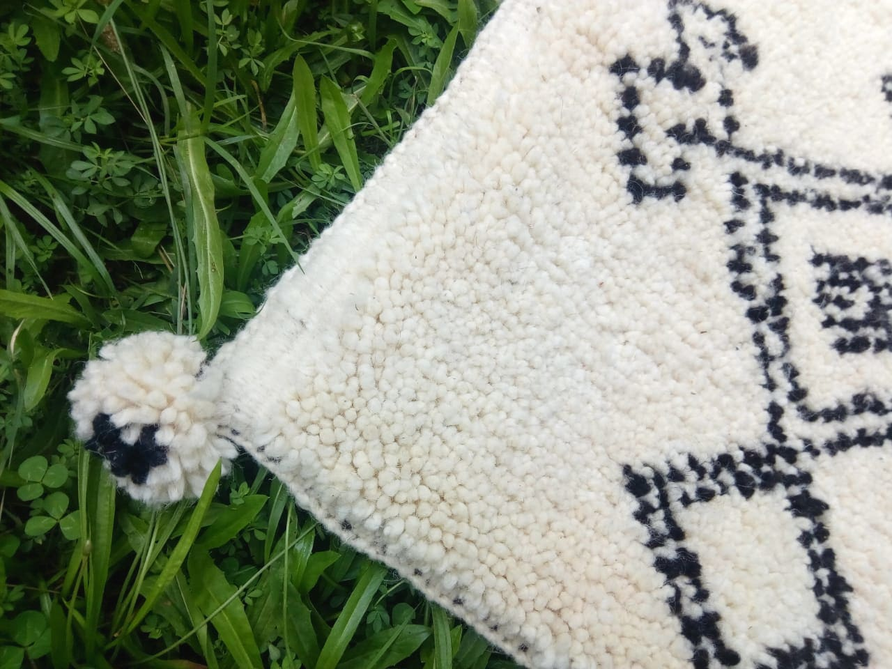 Pillow Wool and Cotton Warp Black, White Morocco