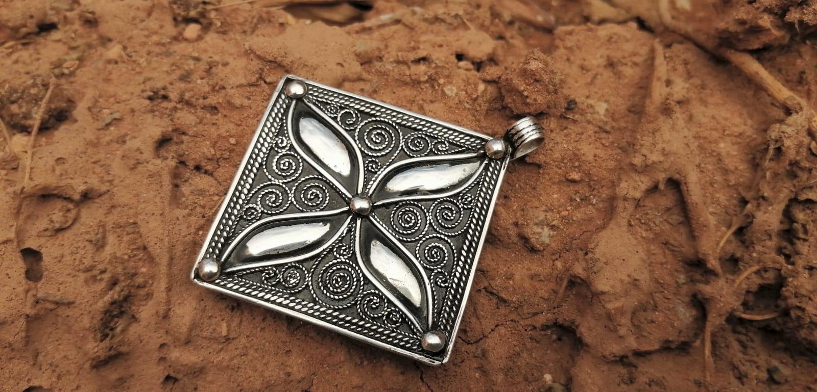 Necklace  Black, White Morocco