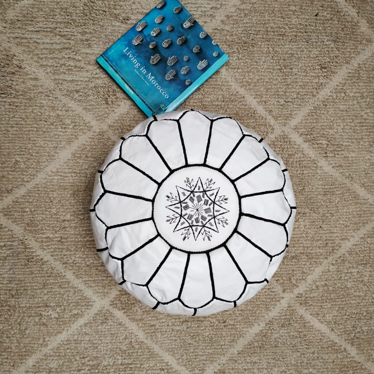 Pouf leather and Sabra silk Black, White Morocco