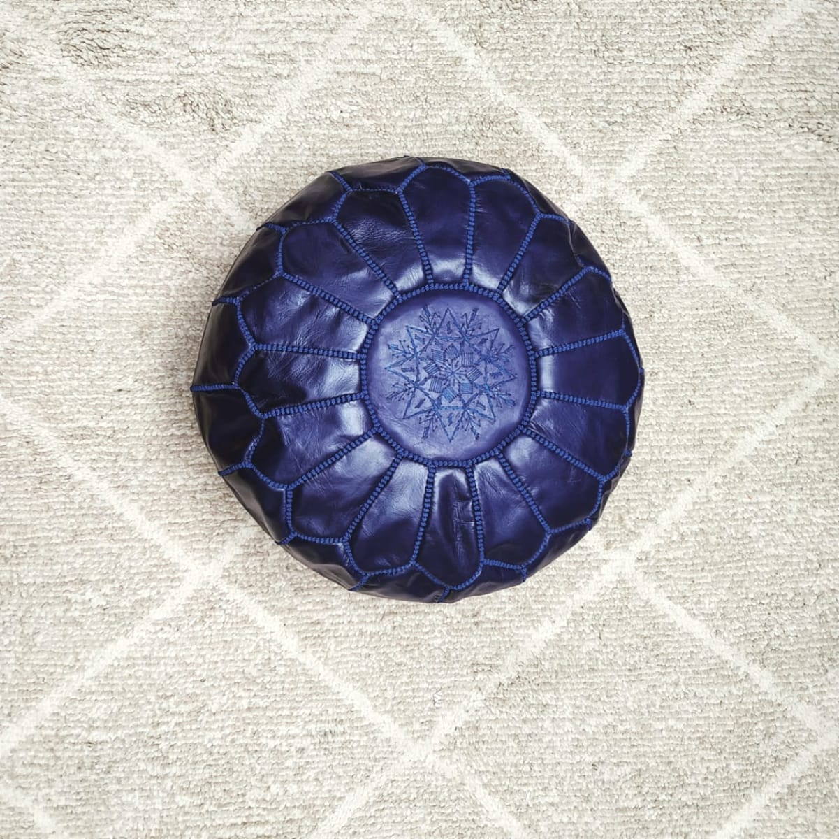 Pouf leather and Sabra silk Blue Morocco