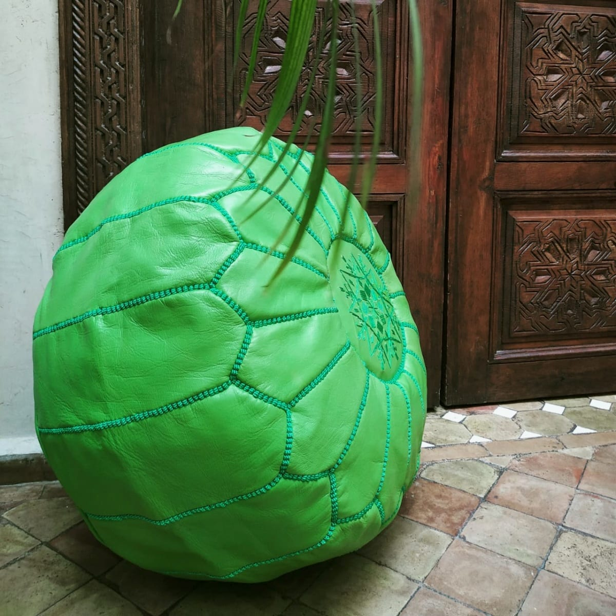Pouf leather and Sabra silk Green Morocco