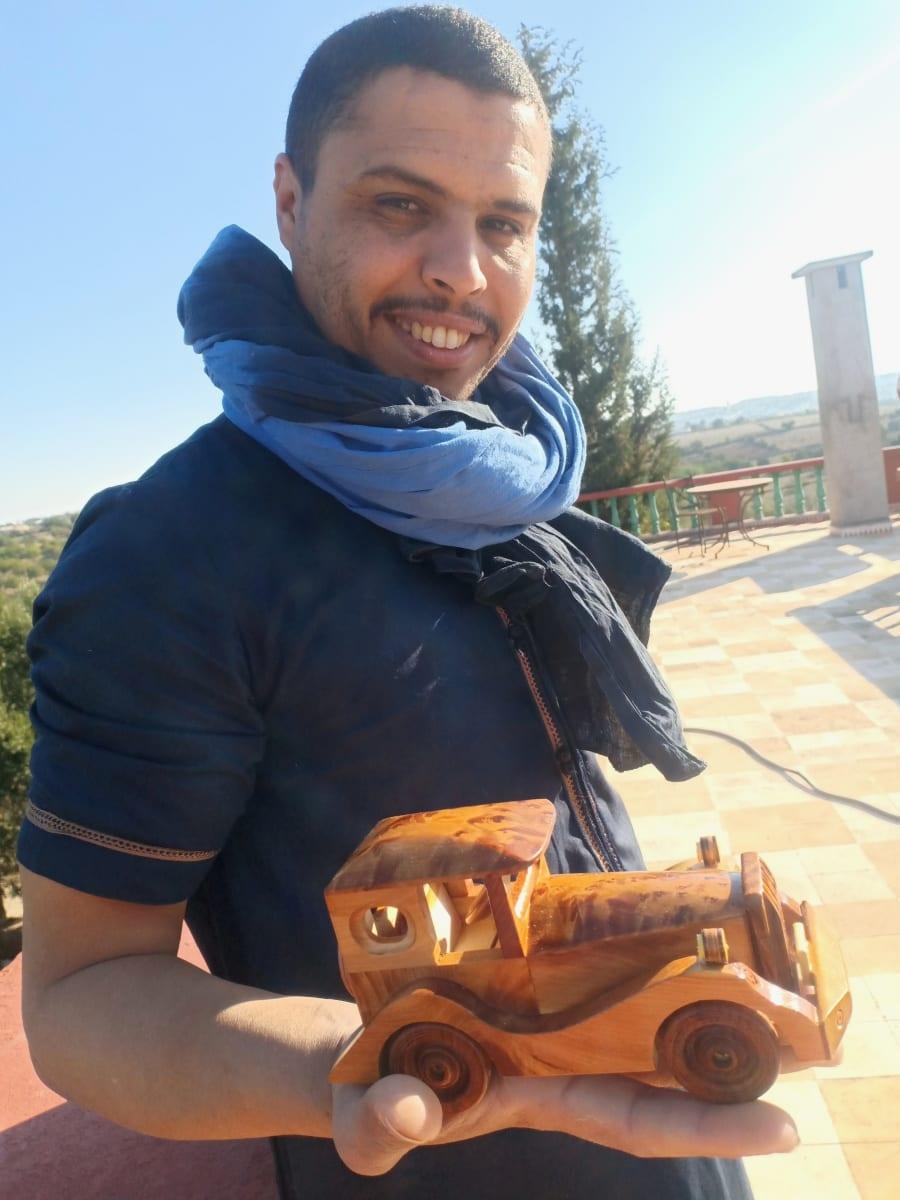 None Thuja Wood and Juniper Root  White Morocco