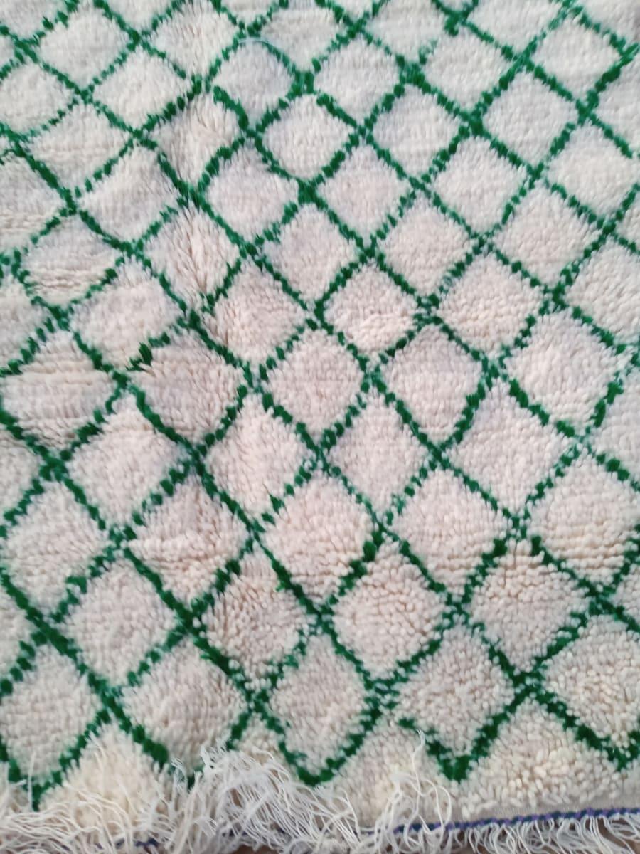 None  Green, White Morocco