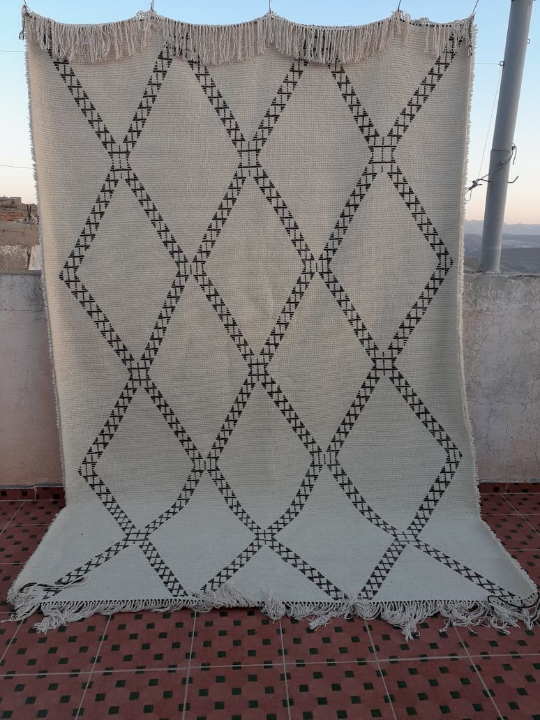 Pile Knot  Brown, White Morocco