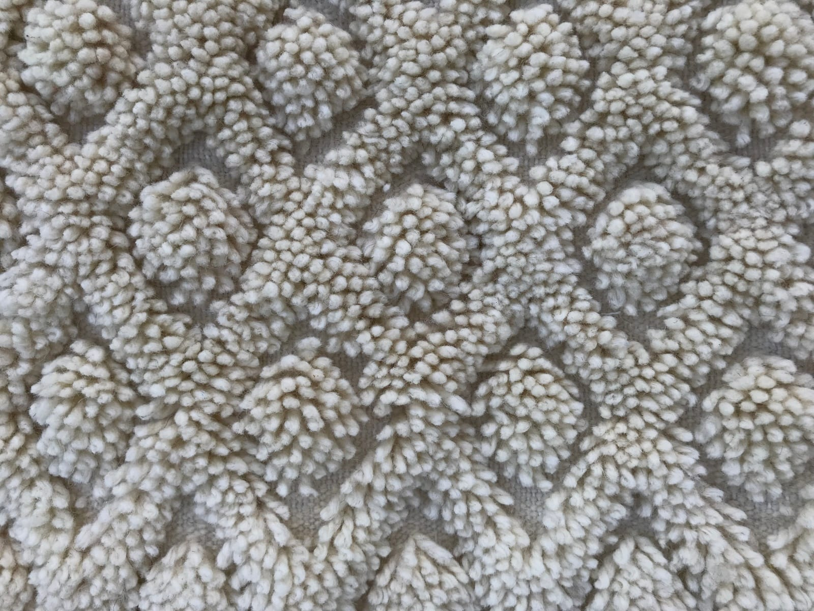 Pile Knot  White Morocco