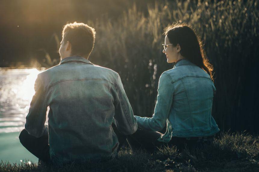 Homme Balance et Femme Verseau : Compatibilité Amoureuse