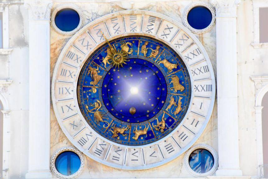 50 berühmte Steinböcke: Stars & Promis dieses Sternzeichens