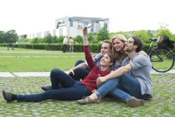 Friends taking photo of themselfs in Berlin