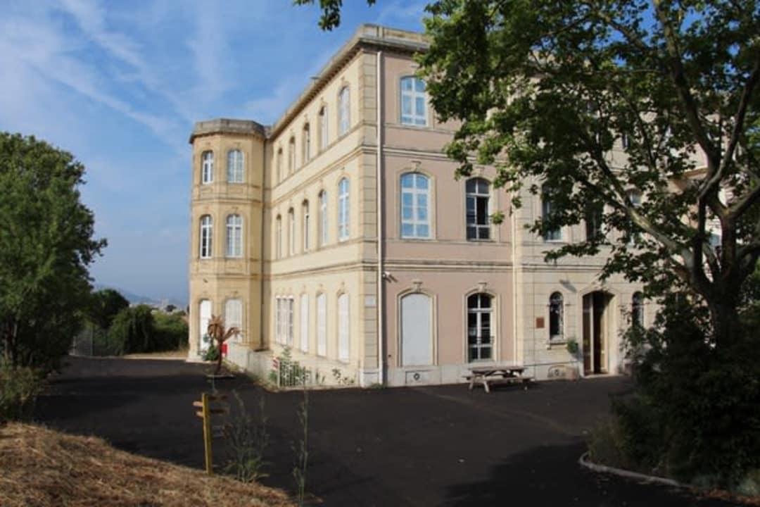 Auberge De Jeunesse Hi Marseille Chateau Du Bois Luzy