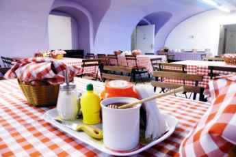 Budapest Budget Hostel : Breakfast for groups