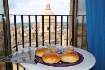 Noto - Il Castello : colazione