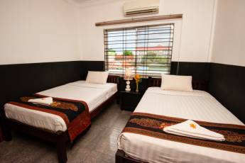 Phnom Penh - Me Mates Place : Twin Bed Room