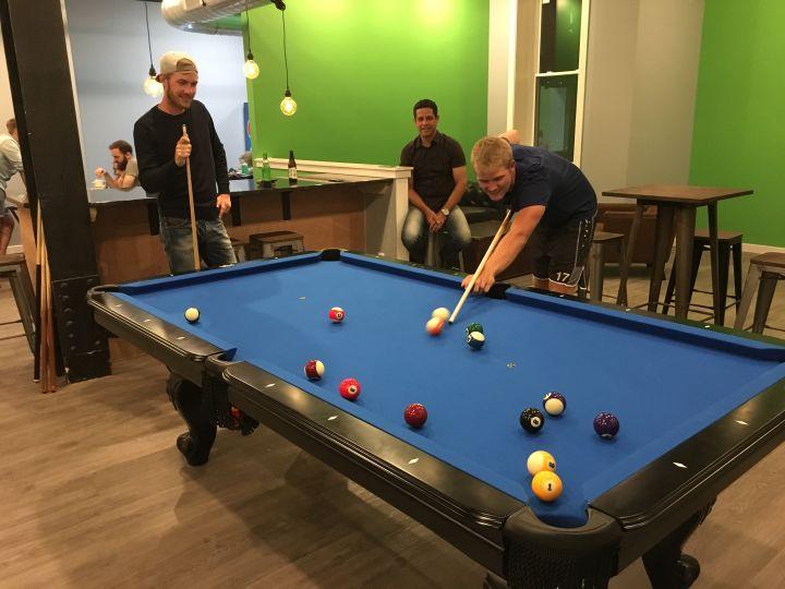HI Philadelphia Apple Hostel Philadelphia - Pool table philadelphia