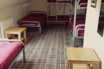 Morag's Lodge : morags-lodge-dorm-room-bunk