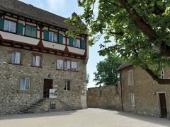 Dachsen am Rheinfall Youth Hostel