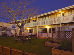 YHA Taupo  Finlay Jacks Backpackers