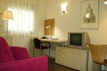 Residencia Universitaria Los Abedules :