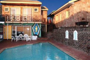 Lungile Lodge Backpackers :