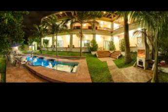 Casa Alta Hostel :