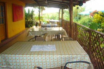 Easter Island - Kona Tau : Kona Tau Hostel patio tables
