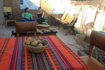 San Pedro de Atacama : Hostel San Pedro de Atacama guests chatting on the patio
