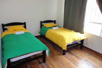 Bogota - Hostel La Niña : Hostel La Nina twin bedroom
