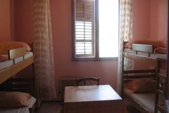 Pula : hostal Pula dormitorio con literas