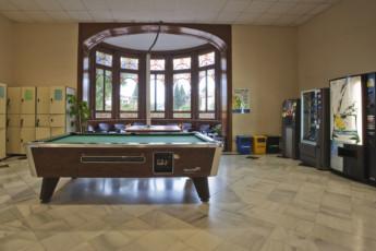 Barcelona - Mare de Deu de Montserrat : pool table at hostel Mare de Deu de Montserrat