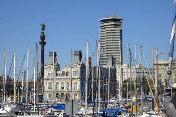 Barcelona - Mare de Deu de Montserrat : Hostel Mare de Deu de Montserrat harbour