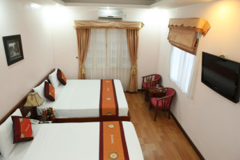 Hanoi - Rendezvous Hotel : Twin room with double beds at Hanoi Rendezvous Hotel