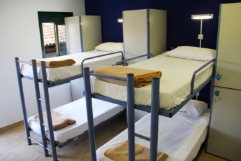 Barcelona -   Center Rambles : Shared dorm room with bunk beds at hostel Center Ramblas