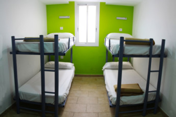 Barcelona -   Center Rambles : Dorm room with bunk beds at hostel Center Ramblas