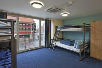 YHA London St Pancras : YHA St Pancras habitación dormitorio con dos literas y