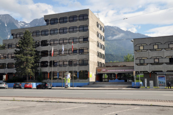 Innsbruck -  Reichenauerstrasse : Entrance to the hostel