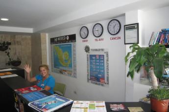 Hostel Mundo Joven Cancún : Hostel Mundo Joven Cancun reception